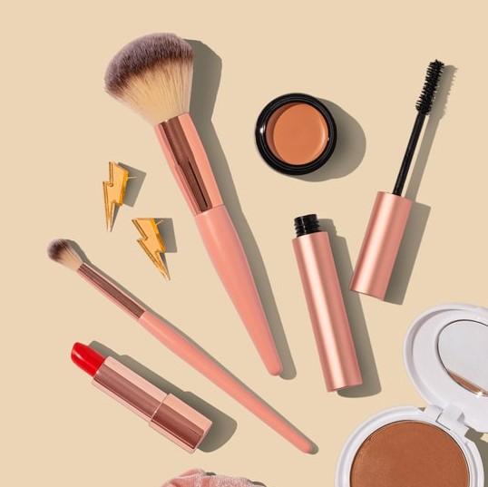 cosmetics-creative-promotions